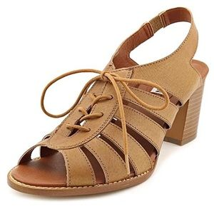 Steve Madden Tan Lace Up Block Heel